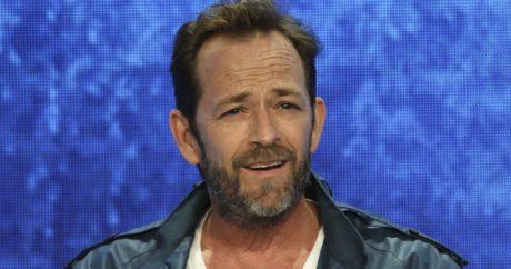 Звезда «Беверли-Хиллз, 90210» Люк Перри умер в 52 года от инсульта